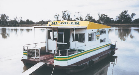 Me and Er Green Gold Houseboats