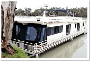 Class Act Houseboat