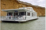 25% off for person who books 4 berths in Houseboat School