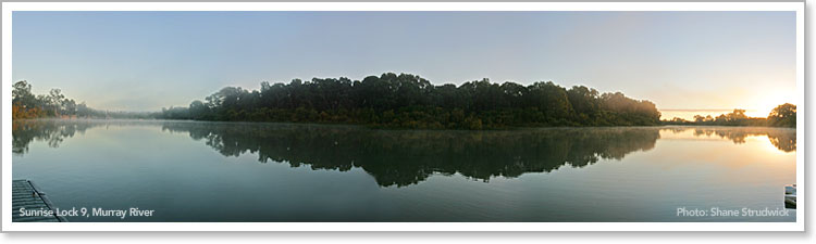 Sunrise over the Murray River at Lock 9