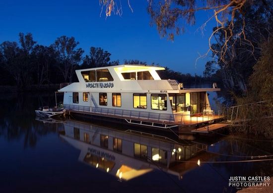 Great Family Boat 3 Bedroom Two Living Area For Sale